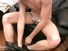 Sexy twink freeing his bulge and showing his buns|63::Gay,2121::Solo Male,2141::Twink